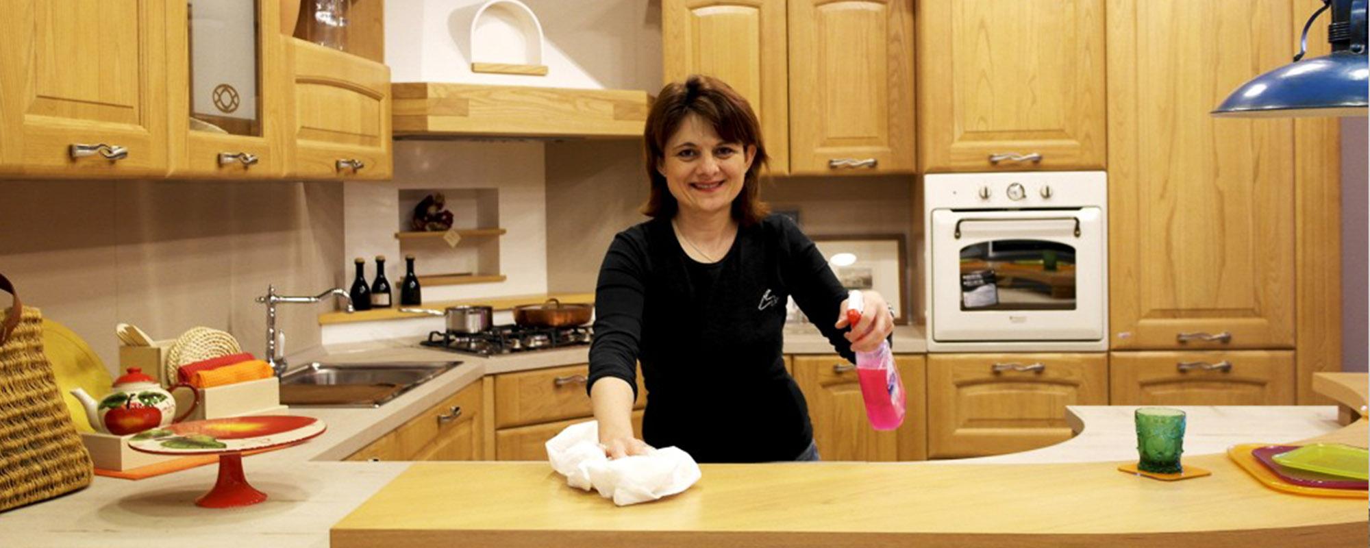 Come Pulire Cucine In Legno Mobili Ante E Pensili Senza Rovinarli