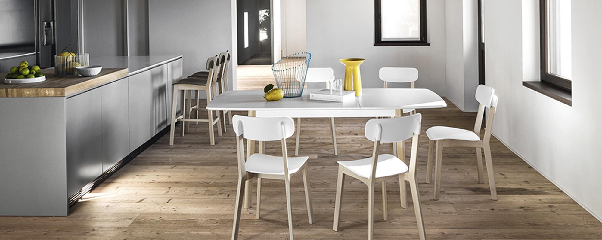 Tavoli Da Cucina Piccole Dimensioni.Come Scegliere Il Tavolo Da Cucina I Consigli Di Arredamenti
