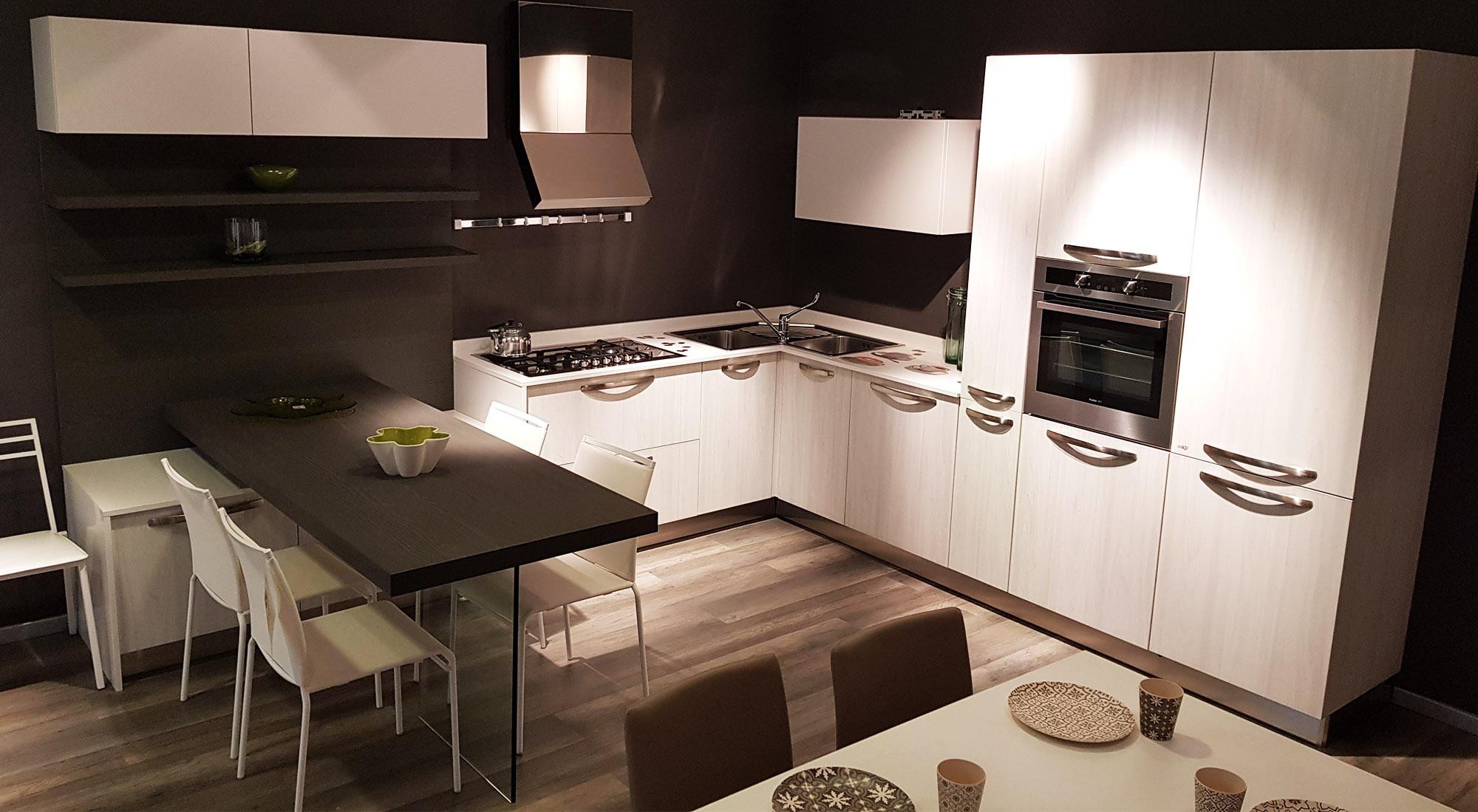 Immagini Cucine Ad Angolo cucina ad angolo olmo bianco | offerta cucine esposizione padova