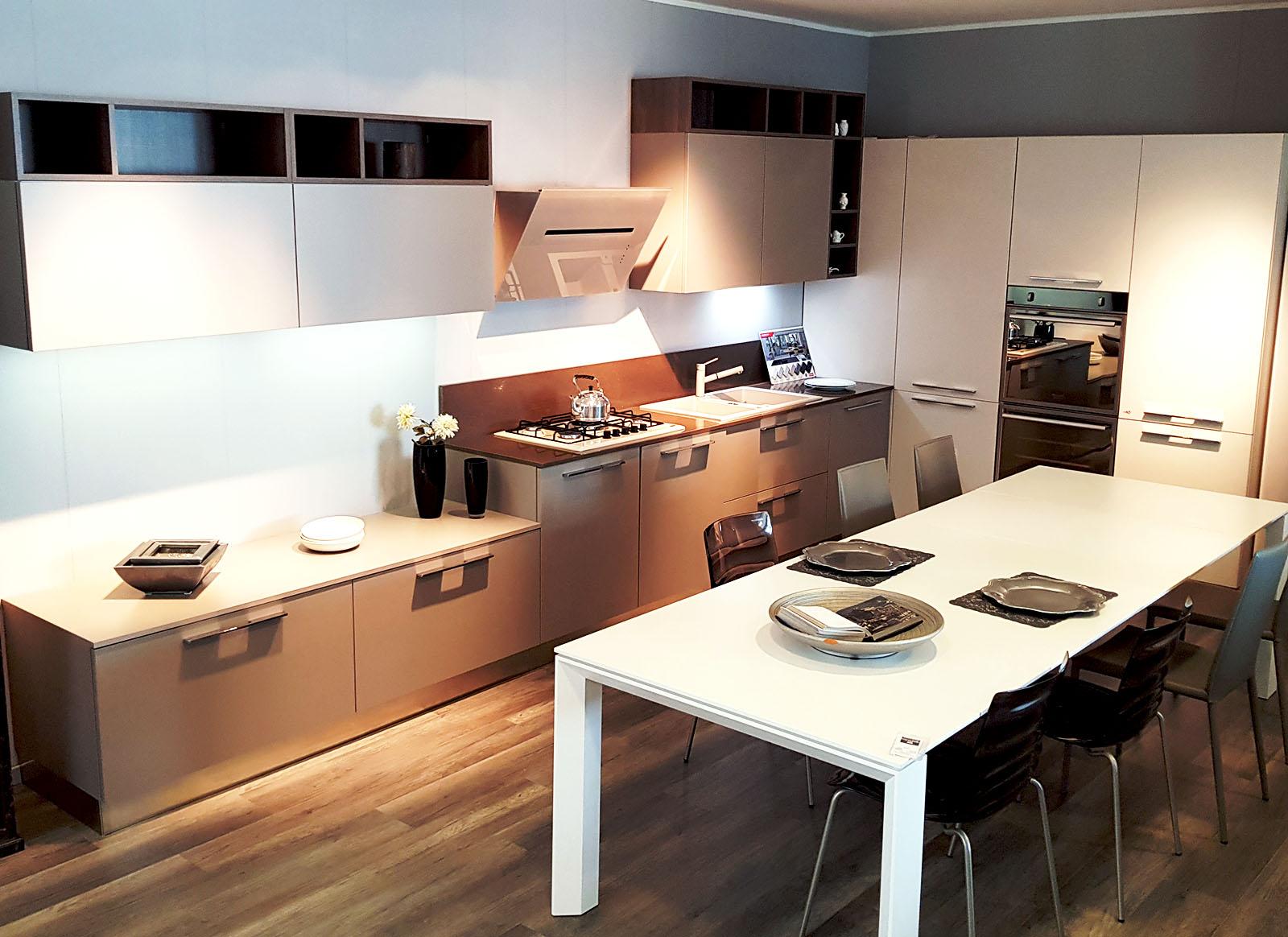 Cucina ad angolo visone e canapa cucine padova - Cucina senza elettrodomestici ...