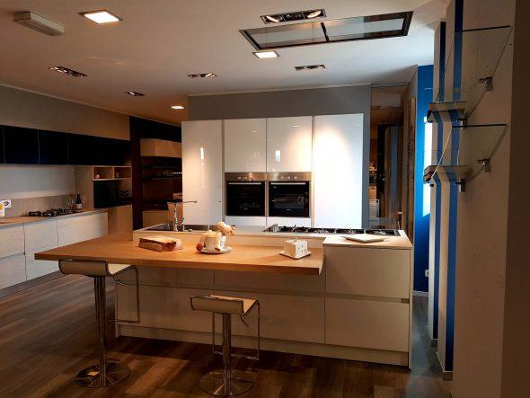 Cucina ante in vetro e polimerico lucido cucine padova - Ante in vetro cucina ...